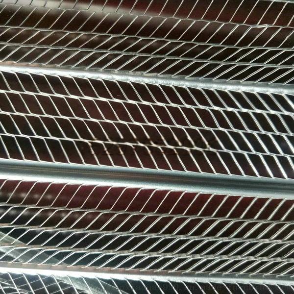轻钢别墅用铁网.jpg