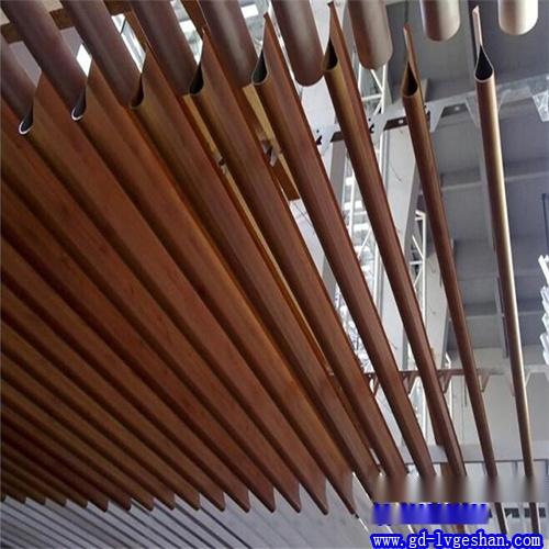 铝挂片吊顶 木纹铝挂片 滴水铝挂片.jpg