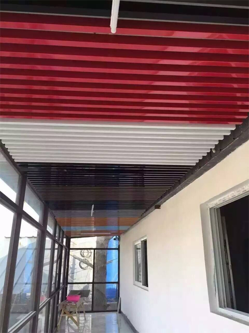 铝方管吊顶 铝型材吊顶 彩色铝方通天花.jpg