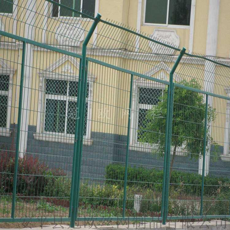 安平县冠欧1.8米高浸塑框架护栏网报价  现货公路防护网38307282