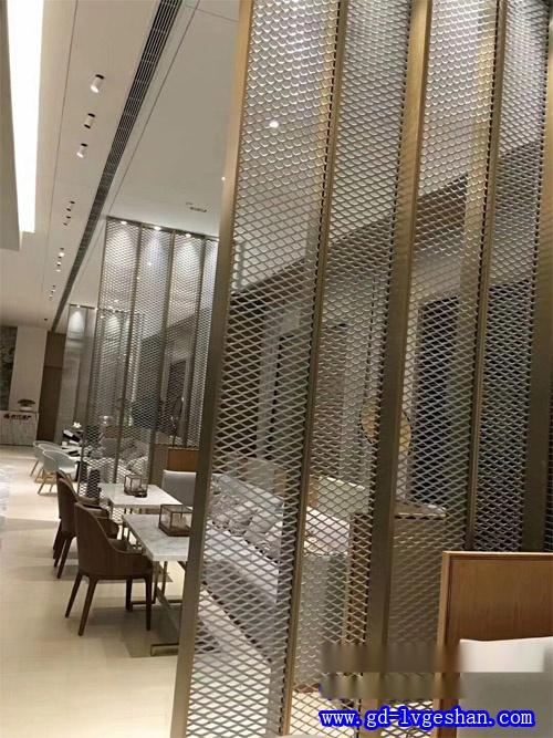 隔断铝网屏风 冲孔铝板网隔断 铝板网屏风装饰