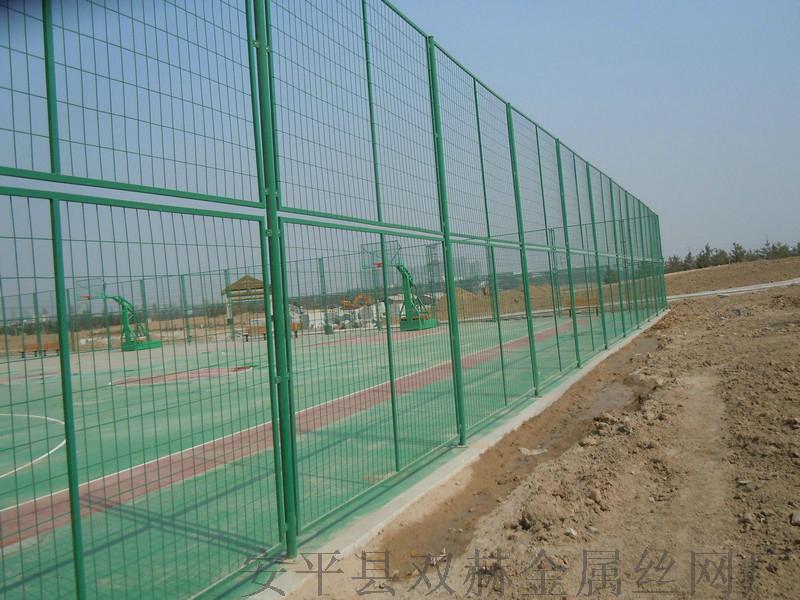 專業供應體育場圍欄圍網¥鍍鋅鐵絲勾花網圍欄廠家696927182