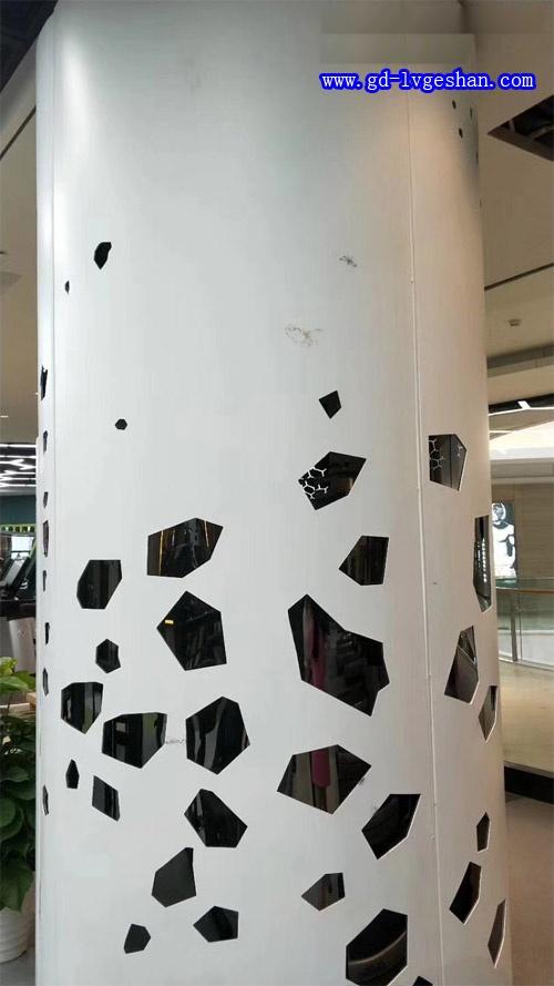 包柱铝板镂空图片 包柱铝单板厂家 圆形铝单板加工.jpg