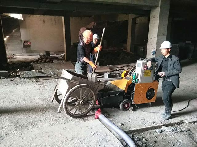 新型二次构造柱泵现场施工