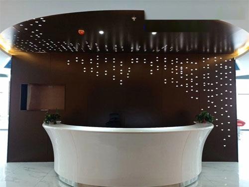 背景牆鋁板 透光鋁板牆身 穿孔鏤空鋁單板.jpg