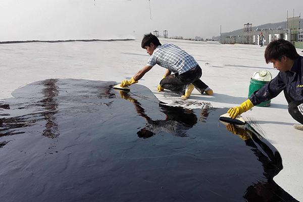 聚氨酯防水涂料,湿固化型聚氨酯防水涂料施工.jpg