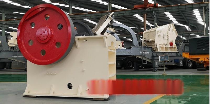 履帶式嗑石機設備 濟南輪胎式石料破碎機廠家114604312