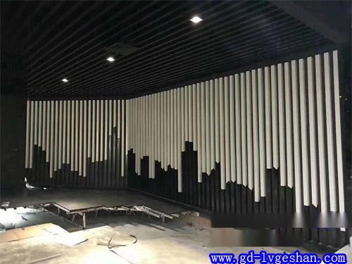 铝方通天花吊顶 铝方通墙身造型 铝方通生产厂家.jpg