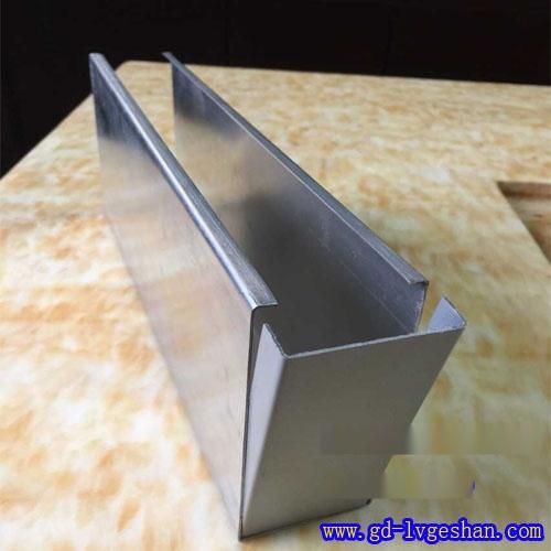 U型铝方通+封盖 U型方通天花规格 铝方通厂家