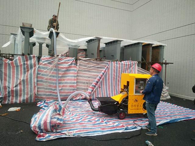 二次構造柱泵施工現場