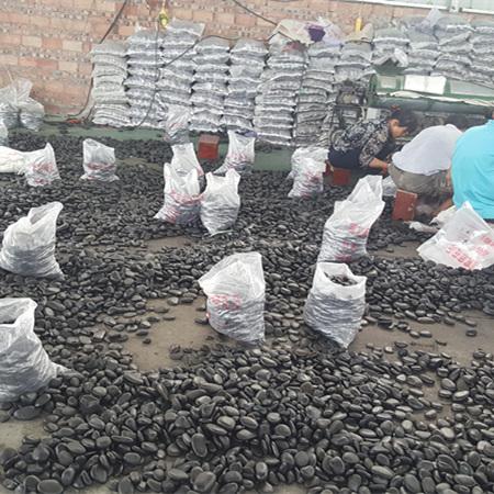 2-3公分黑色鹅卵石_重庆黑色鹅卵石价格_渝荣顺!43292912
