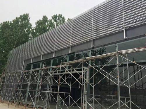 门头穿孔铝单板 铝长城板冲孔 4S店外墙铝板.jpg