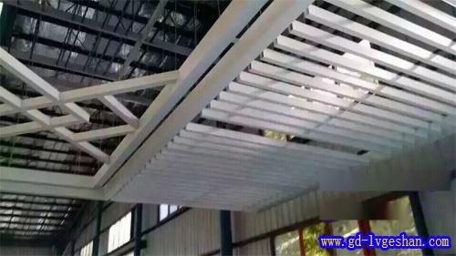 铝方通吊顶价格 铝合金方通天花 铝方通加工.jpg
