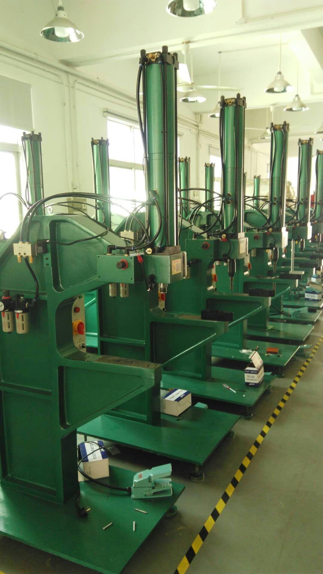 中国压铆机 广东压铆机 压铆机生产厂家137199555