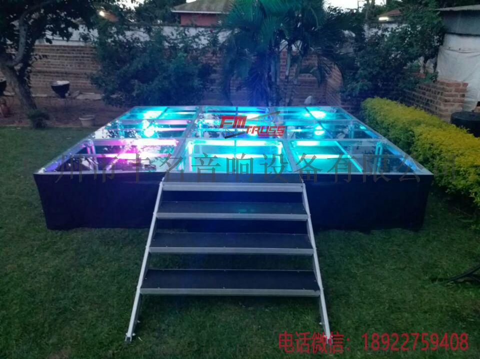 客戶反饋圖片帶燈玻璃舞臺.jpg