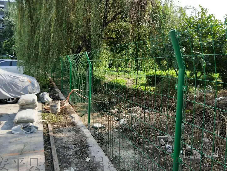 园林圈地围栏网 浸塑围栏网 河道塑胶围栏网57515592