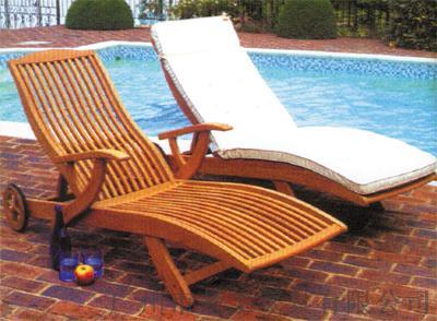 供应海边沙滩木质躺床组合 酒店游泳池实木折叠躺床145180195