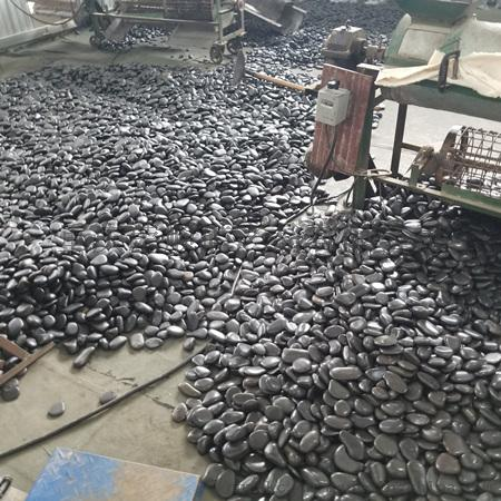 黑色鹅卵石