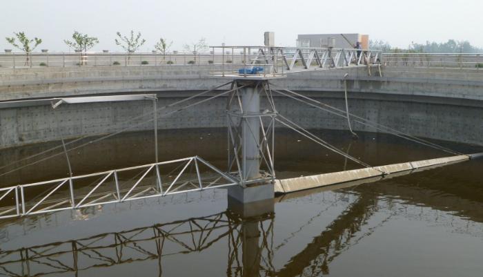 鑫泰环保中心刮吸泥机设备结构及基本原理845335982