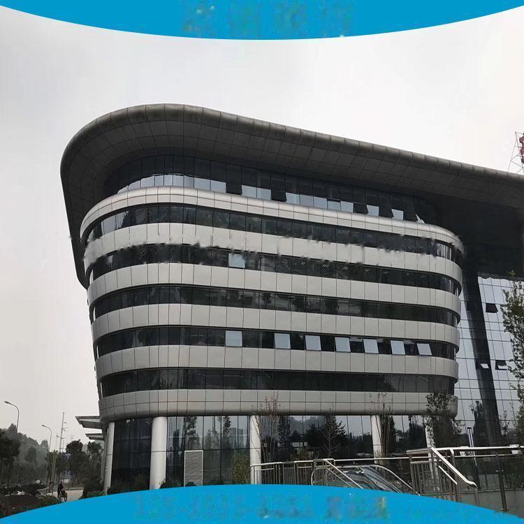 江苏地区2.5毫米厚外墙灰色氟碳漆铝单板 现场量尺定制3毫米厚外墙装饰氟碳铝板61337285
