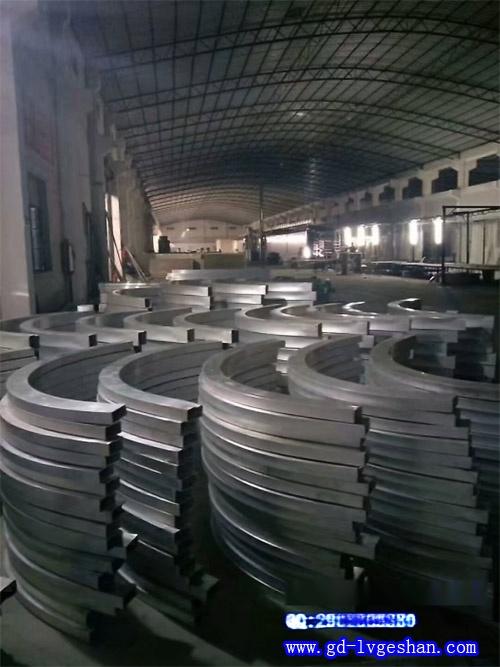 拉弯铝方通生产厂家 拉弯铝方管定做 弧形铝方通加工