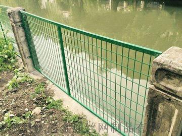 固原铁网围墙护栏绿色现货铁网围栏铁丝网护栏厂家77119335