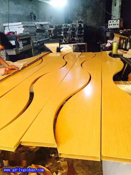 铝方通波浪板 造型铝方通厂家 铝方通吊顶规格