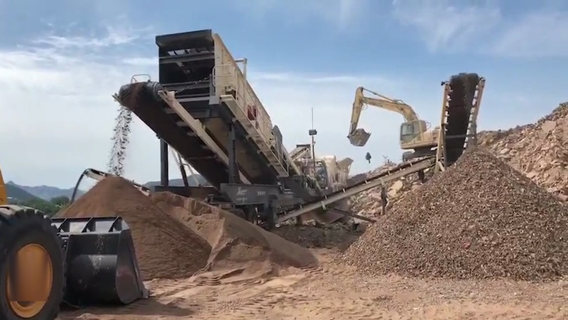 日照1500吨建筑垃圾破碎处理-移动式建筑垃圾破碎站厂家价格88719402