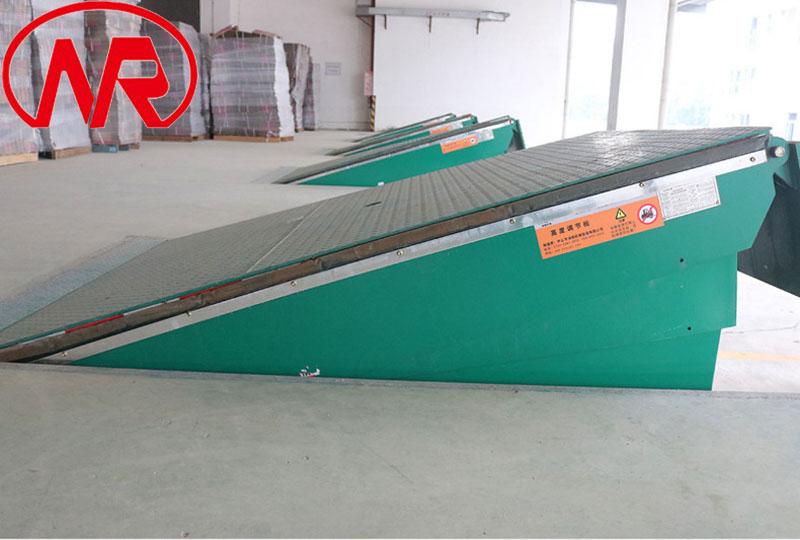 固定式登车桥 仓库装车平台  物流液压登车桥122877182