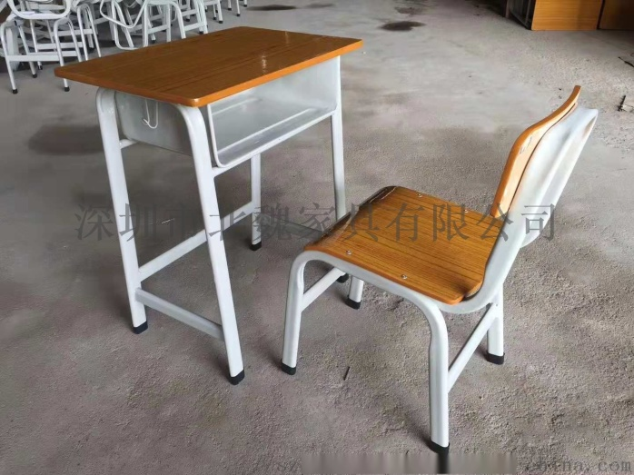 深圳连体钢木结构课桌椅_钢木课桌椅厂家105275525