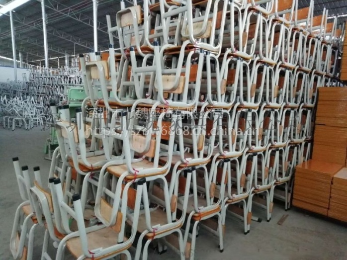 深圳连体钢木结构课桌椅_钢木课桌椅厂家105275495