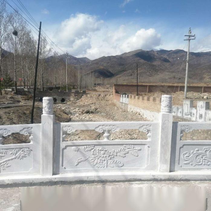 石雕栏杆制作厂家-梅兰竹菊浮雕草白玉石栏杆批发107729242