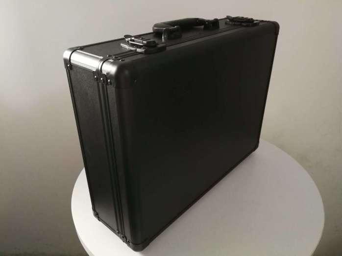 微信图片_20190518140353手提箱(纯黑圆弧铝).jpg