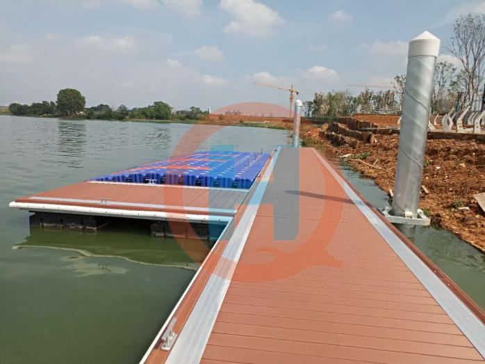 游艇码头抱装器水上浮桥抱装器加工制作厂家直销114434345