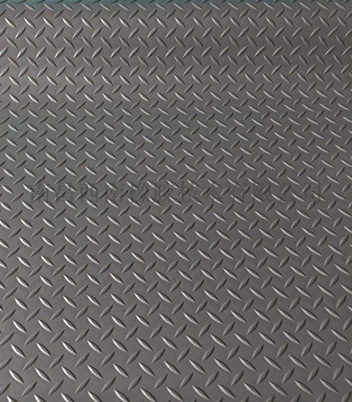 橡膠防滑墊2.jpg