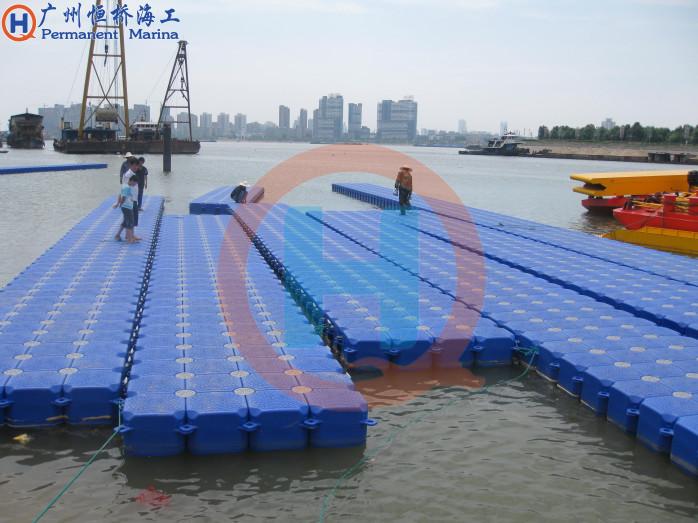 武漢-葛洲壩浮码头1.jpg
