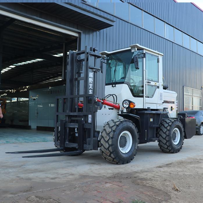 4吨越野叉车 可加装侧移等属具127818952