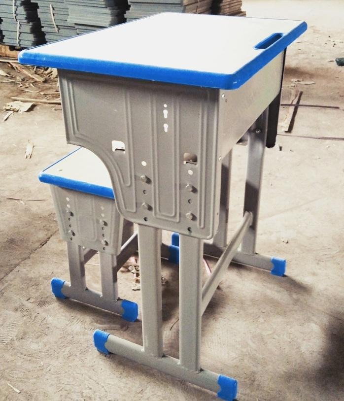 郑州课桌椅塑料课桌椅出售厂家课桌椅批发923707055