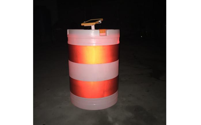 白色LED太陽能防撞桶