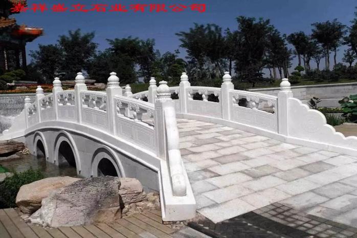 桥面石雕栏杆