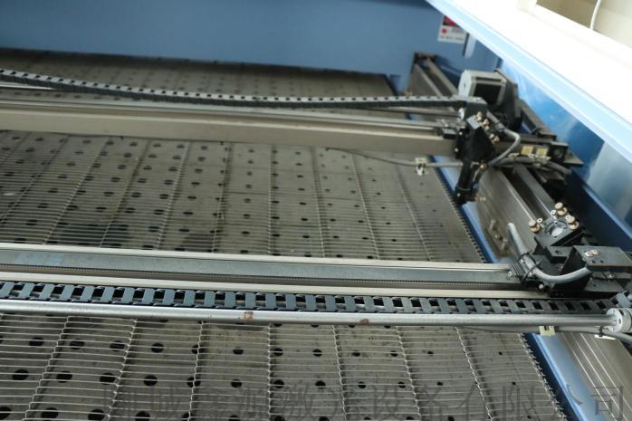鑫源1812型全自动送料毛绒玩具激光切割机78913995