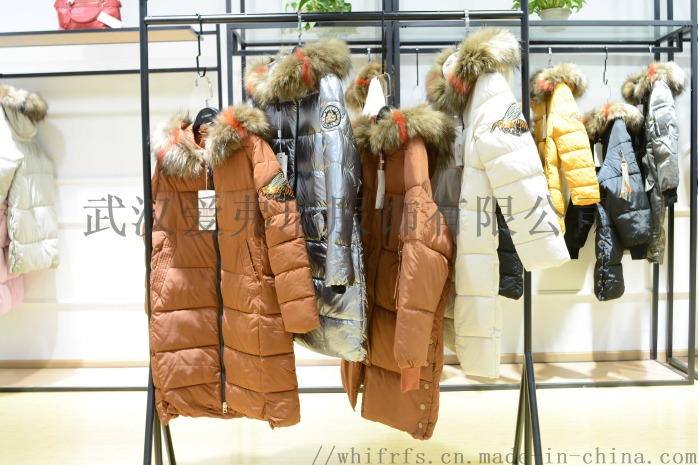一二线品牌女装折扣变革18年冬装羽绒服大衣尾货走份85609495