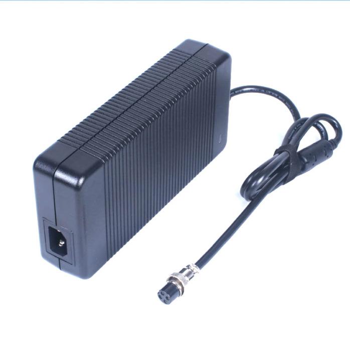 大功率警用設備54.6V6A磷配鐵鋰電池充電器98669502