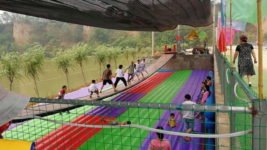 山东青岛大型彩虹色网红桥充气气垫厂家定做828126572