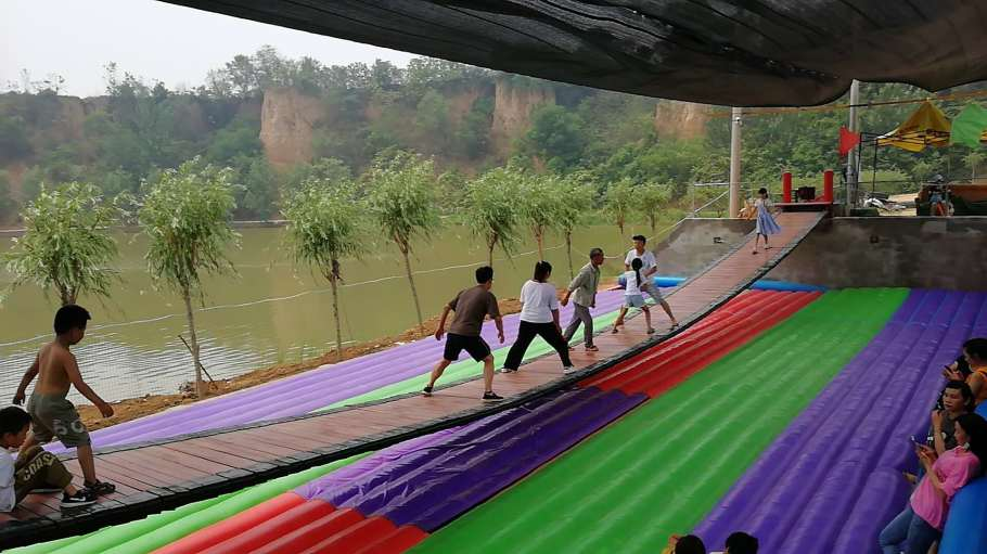 河北邯郸网红桥充气气垫彩色款式厂家定做107899222