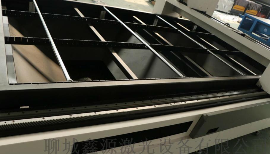 3015型不锈钢镀锌板光纤切割激光切割机金属71791112