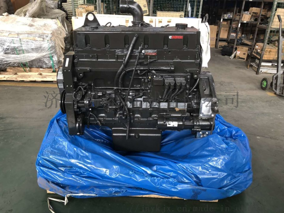 QSM11发动机 (1).jpg