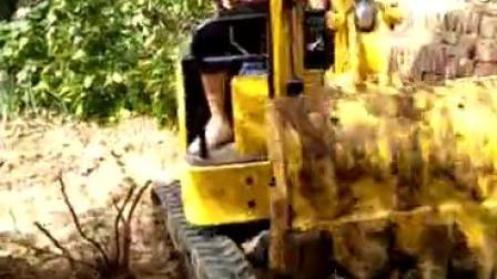 15型微型履带式挖掘机