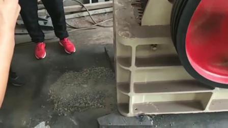 颚式破碎机 矿山矿石破碎机械颚破机