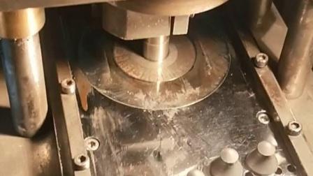 硬质合金蘑菇齿压制成型